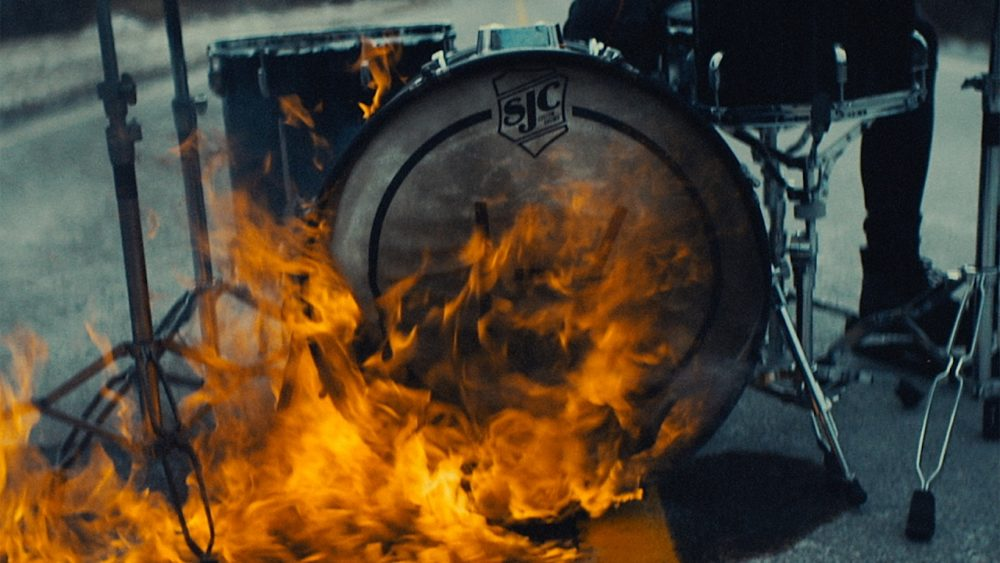 "Twenty One Pilots – ""Heavydirtysoul"""